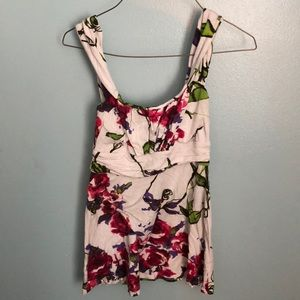 Tops - 🔴Final Clearance🔴 5 for $15🔴 Floral tank top.